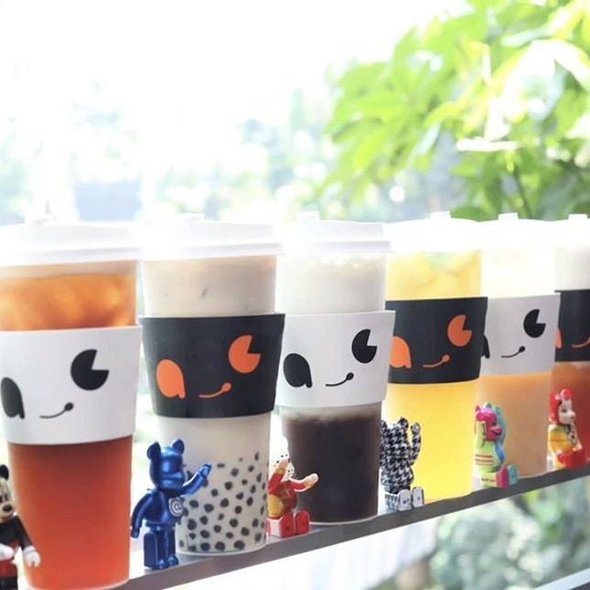 AC Kafè by ActionCity is a first of its kind designer-art toy themed cafe, a collaboration between beverage concept Woobbee @woobbee and the home-grown collectible retail brand.