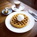 Quite impressed by this Waffle with Ice Cream.
