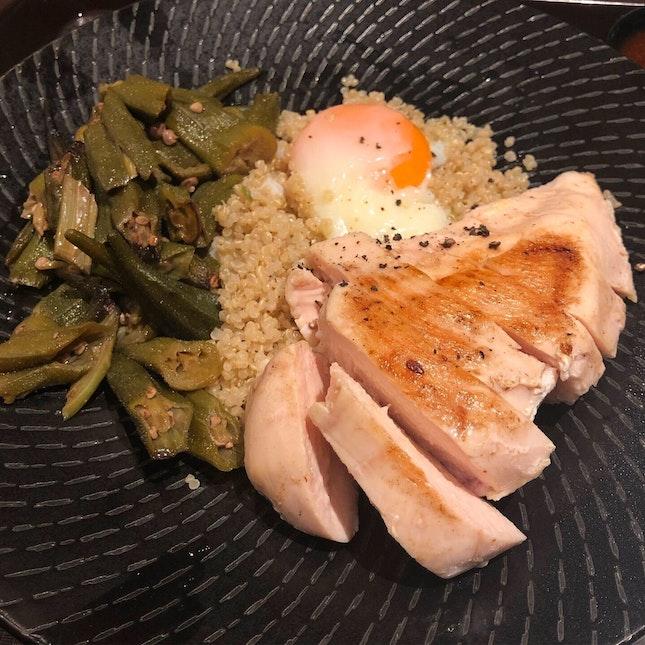 Grilled Chicken Breast Quinoa