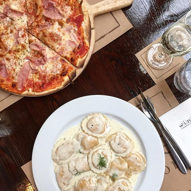 An evening well spent is, if you spent it with your alten Freund und auch let your hair down ✌🏻 Margarita Pizza - S$12++ Parma Ham Topping - S$3++ Salmon Ravioli - S$16++ 🥂: Muscato 📍: @wineconnectionsg