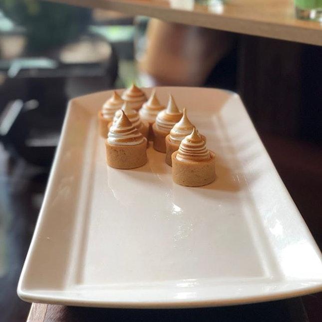 <🇯🇵> 渦巻き <🇬🇧> 🍦 • 📍: @limerestaurant @parkroyalpickering Singapore