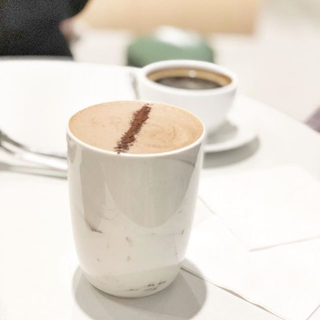 Mens sana in corpore sano <🇬🇧> A healthy mind in a healthy body • ☕️: Hot Chocolate - S$7.00 📍: @pvbakery @igcasia Singapore