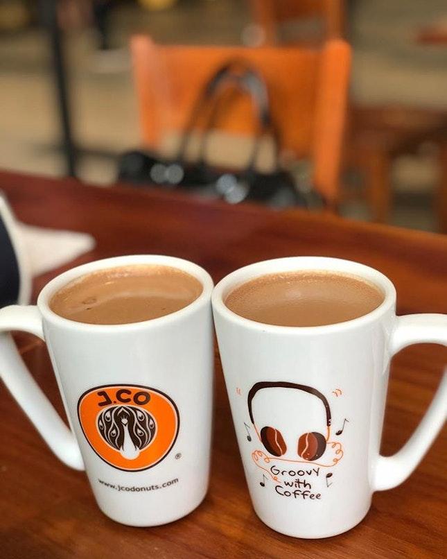 <🇩🇪> ich brauche meine Schokolade <🇬🇧> I need my Chocolate • ☕️: Hot Chocolate - S$4 📍: @jco_singapore Singapore