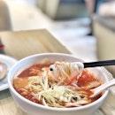 <🇫🇷> Ne regarde pas en arrière, tu ne vas pas comme ça <🇬🇧> Don't look back, you're not going that way • 🍜: Shrimp & Pork Dumplings Tomato Soup Noodle - S$9.80++ 📍: @onecanton @bugisjunctionxbugisplus Singapore