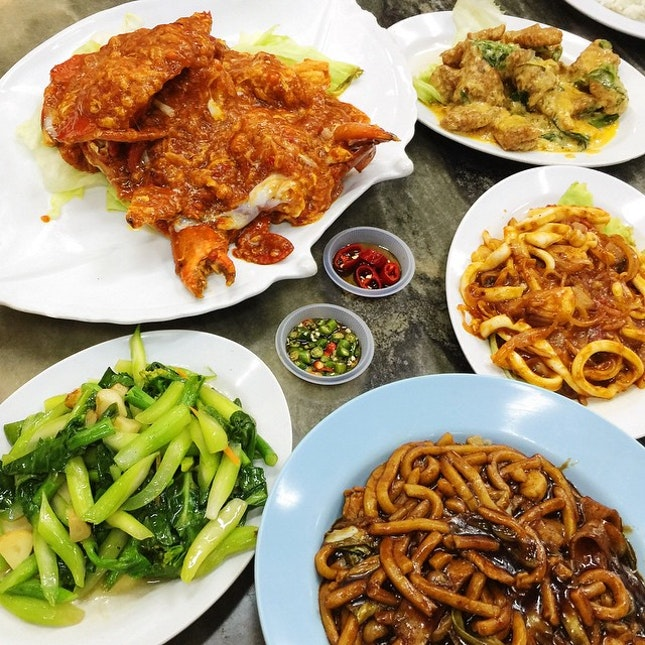 07.02.2015 \\ Our usual dinner spot at Taman Sri Tebrau Hawker Centre.