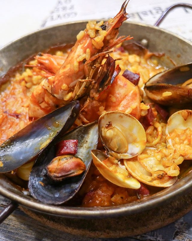 If it's mains that you are looking out for, fret not as besides the Asian inspired tapas, there's also the Paella ($20/$36) or Beef Cheek ($18) that you can possibly consider.