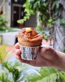 Finally made it to the West and with precise timing, managed to get my hands on one of these widely acclaimed Cruffins ($4.50) with lemon curd.