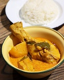Currying on the traditions since the 1990s, Fu Xiang Signatures was in the spotlight of several major social media channels recently for serving an excellent pot of curry and more.
