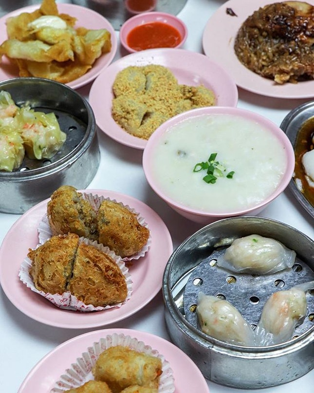 Ask any local where is one of the recommended breakfast spots and most of them will direct you to Ming Court.