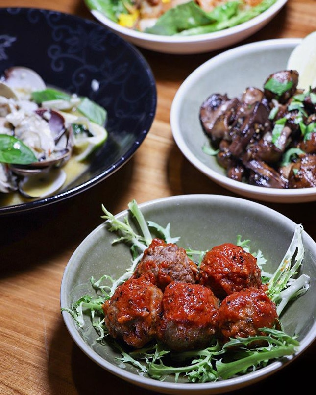 RedDot BrewHouse has recently launched a lineup of ten new tapas, both hot and cold, to complement with their different flavours and strengths of their signature craft beers.