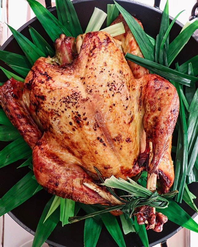 For this Christmas, from the savoury section of The Deli, there is a Roasted Pandan Scented Turkey with Mantou Kaya Nibbles (12 pieces) and Housemade Chilli ($238) that you can consider getting for the yuletide celebrations.