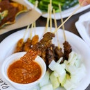 With several stalls selling satay, there is one particular stall that stood out the most and its none other than the iconic Haron Satay (Stall 01-55).
