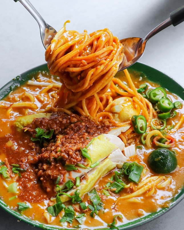 """There is ONE reason that will make me travel all the way to Ang Mo Kio for and that's the """"Power"""" Mee Rebus ($4.50) from Rahim Muslim Food."""