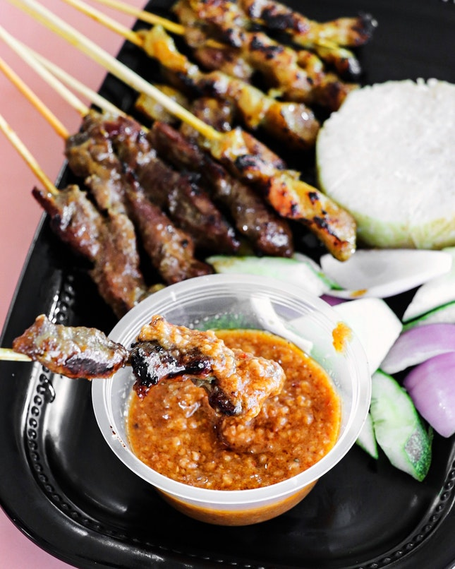 While many come here for their mee rebus, we were actually here for the Mee Soto and Satay.