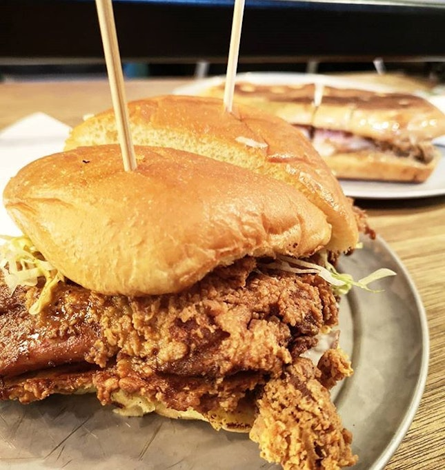 Fried Chicken Sandwich + Pulled Pork  Recommendation Index : 7.5/10 A pity they are out of the Burpple Beyond.