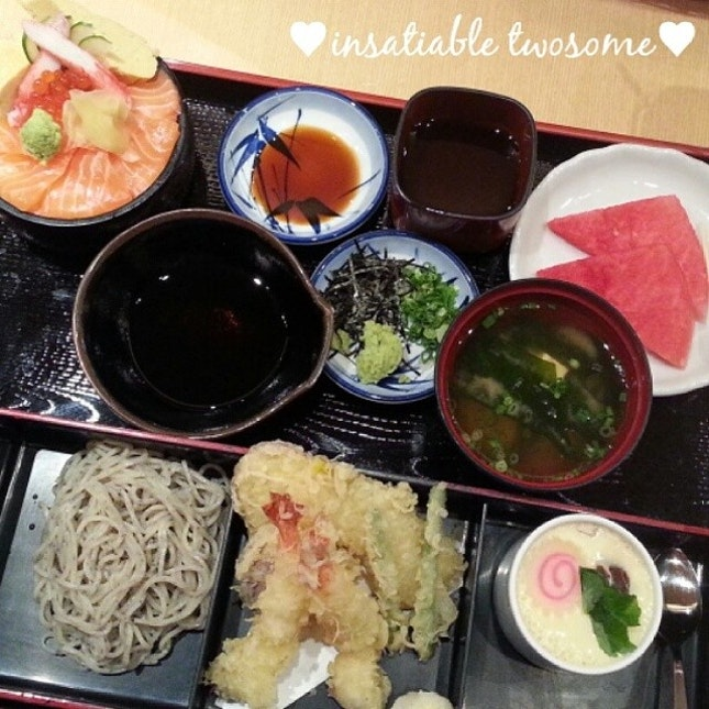 ヾ( ^ω^)ノ☆♡Today is a wonderful day!!♡ Having dinner with my 老公 @nugizo now!!