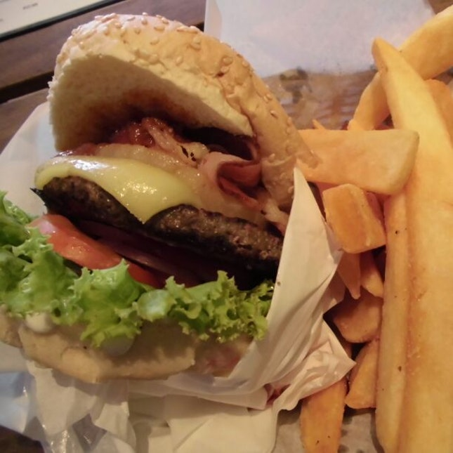 Crikey Too (Beef Burger) [RECOMMEND] TO NON BEEF-LOVER TOO!