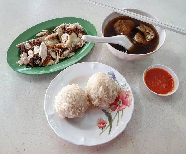 chicken rice balls 👍🏻 10.9.19 #foodporn #sgfoodporn #foodsg #sgfoodies #instafood #foodstagram #vscofood #burpple #hungrygowhere #hawkerfood #hawkercentre