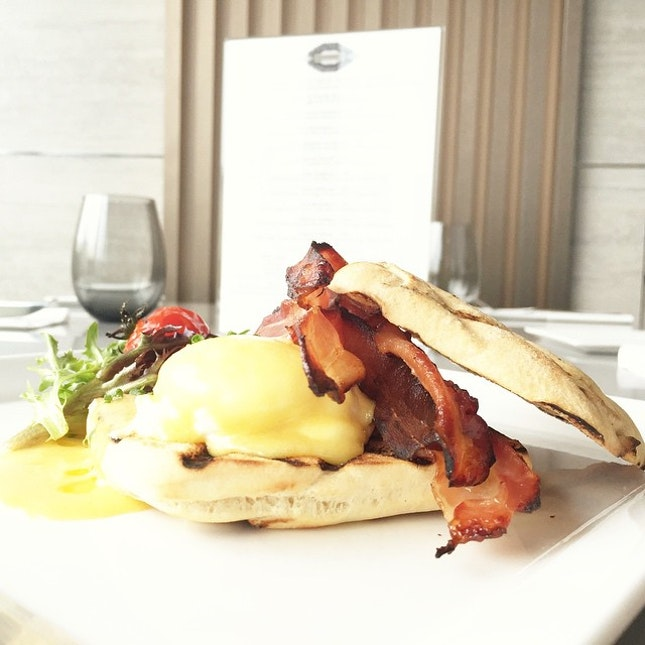 Uovo Benedetto ($22++) Poached Egg, Rustica Toast, Crispy Bacon, Hollandise Sauce, Caviar Available only on Saturday Brunch from 11am - 2.30pm.