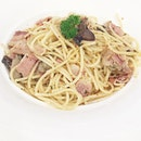 Aglio Olio Pasta ($8.50) Student & Senior Citizen Specials Topup $1 for a drink (iced lemon tea/ lime juice/ coffee/ tea) Valid from Mon-Fri 10.30am-5.30pm at @EmpireStateSG Really tasting and value for $$$.