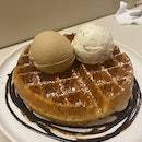 Waffle with Double Scoop (Earl Grey and The Apiary) [$14.9]