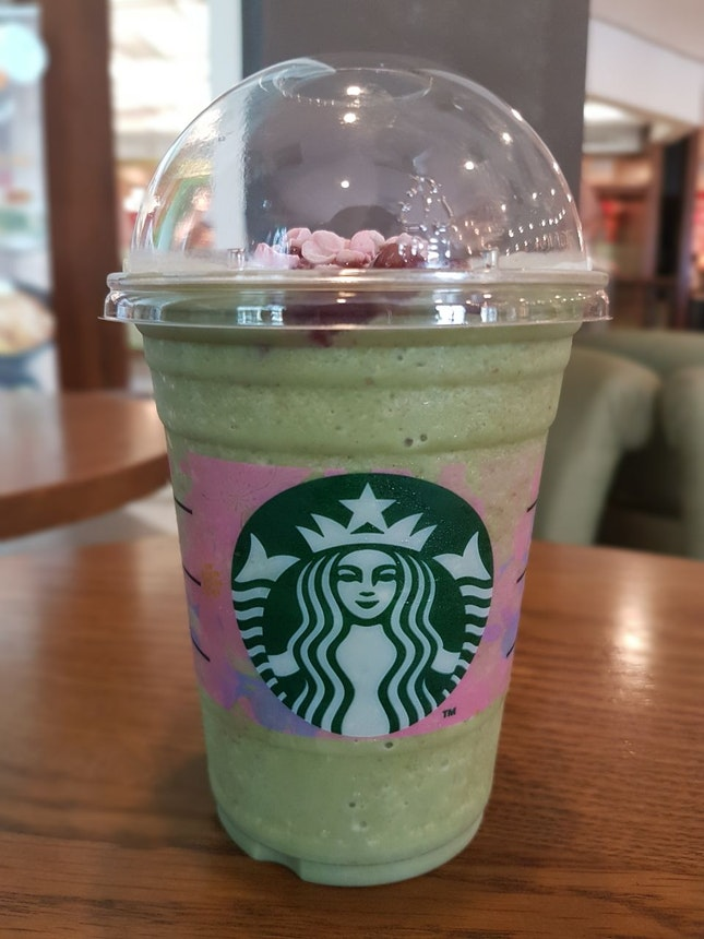 Matcha Azuki Creme Blossom Frappuccino