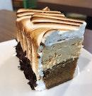 Caramel sea salt tiramisu cake!