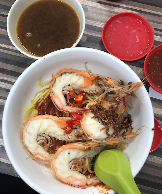 Medium Prawn Noodle Soup ($6.80)
