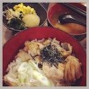 #tgif #hotfood for the #rainyday #happymeal with #happylunchkaki #starvalue #lunchset #yakitoridon #japanesecuisine #instafood #foodporn #foodlover #burpple #instalunch #latergram #pecorian #felzfooddiary