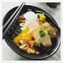 #sunnythursdaynoon #aftersuddenshower #butakakunidon #today ☀️ #instafood #foodporn #foodlover #burpple #japanesecuisine #latergram #kaisenichi #felzfooddiary