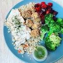 #midweekfever #tryingtobehealthy #warmsalad #healthydiet #musteat 🥑 #guacamole #cajunspicedtofu #soaddictive #instafood #foodporn #foodlover #burpple #instalunch #avorush #felzfooddiary