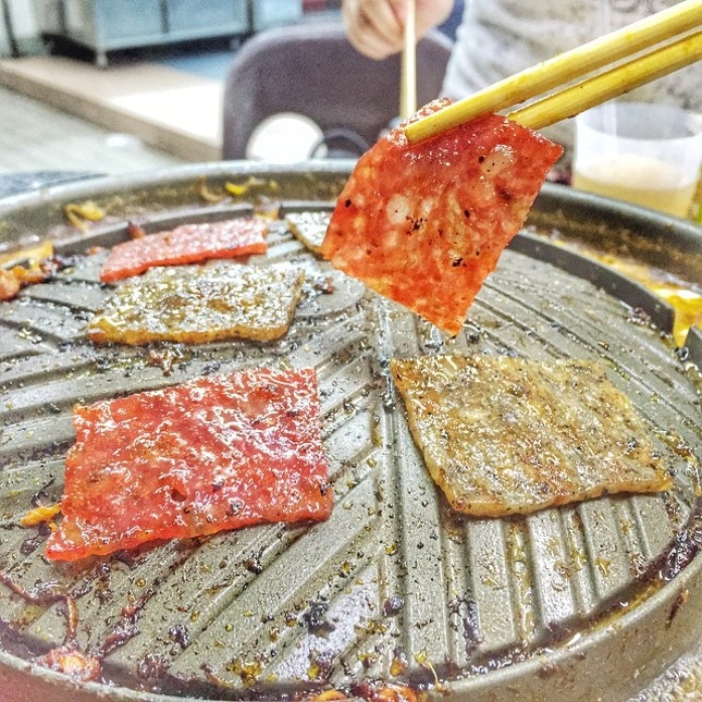 🙋🏼🙋🏼🙋🏼🙋🏼🙋🏼 bak kwa  have you ever grilled your own bbq cured pork before?