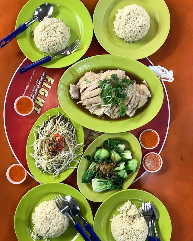 Finally tried the infamous Tian Tian Hainanese Chicken Rice with the fam!