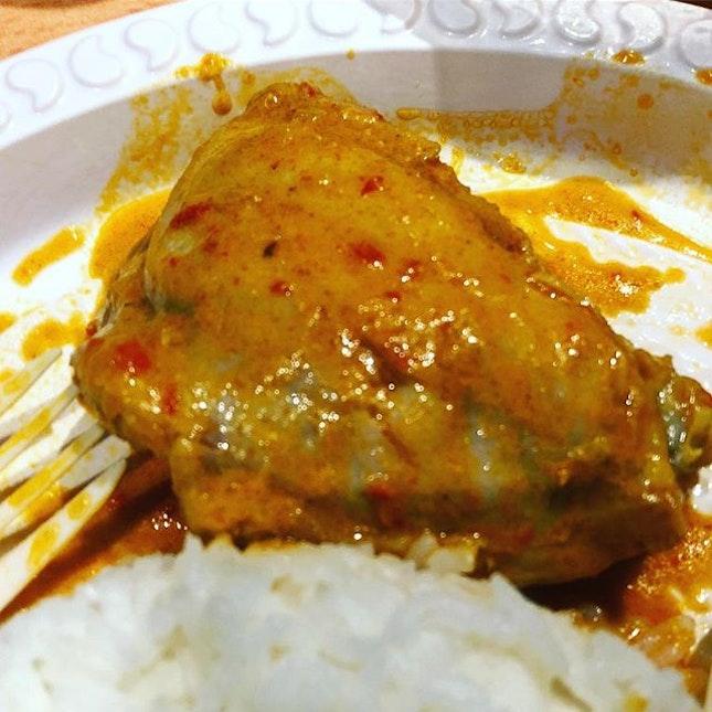 This chicken curry literally had my nose running 🏃🏻♀️ 🐓 👍🏻👏🏻 #spicyhot #yummeh .