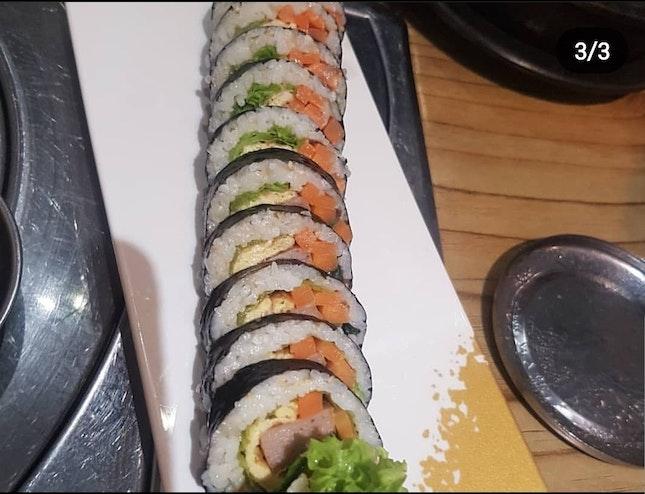 Gimbap (Korean style sushi roll)