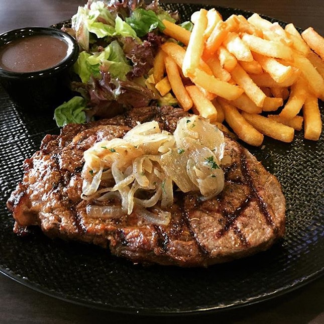 West Side of Singapore Has Good Food Too [Part III] ~ Australian 100 Days Grain-Fed Ribeye Steak [250gm] @ The Carving Board, Blk 252 Jurong East Street 24 #01-107.
