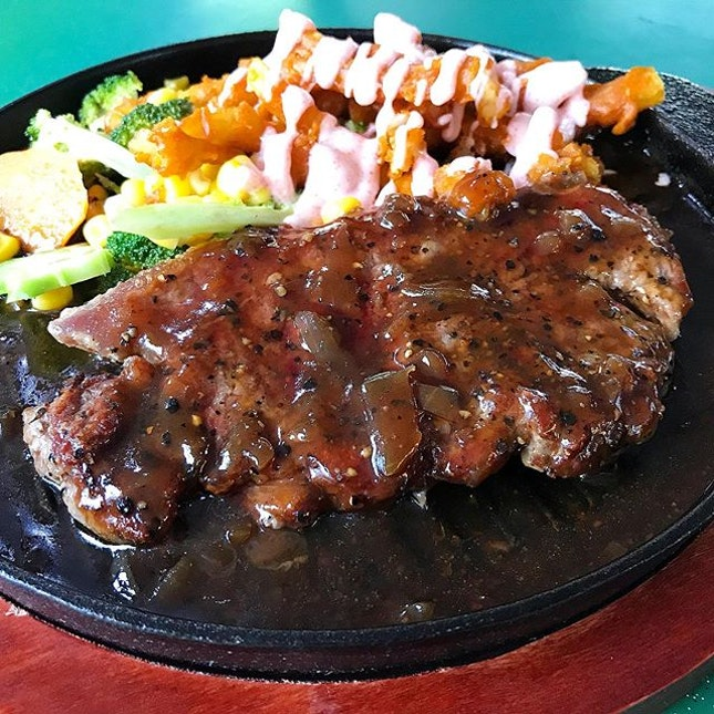180gm Australia Sirloin Steak @ BIG BOYS Sizzling Western Hotplate, 144 Upper Bukit Timah Road, Beauty World Centre, #04-25.