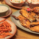 Sharing a good meal between good friends one of the many simple joys in life, especially when it's at my favourite chicken place @nandosmy @nandossg .