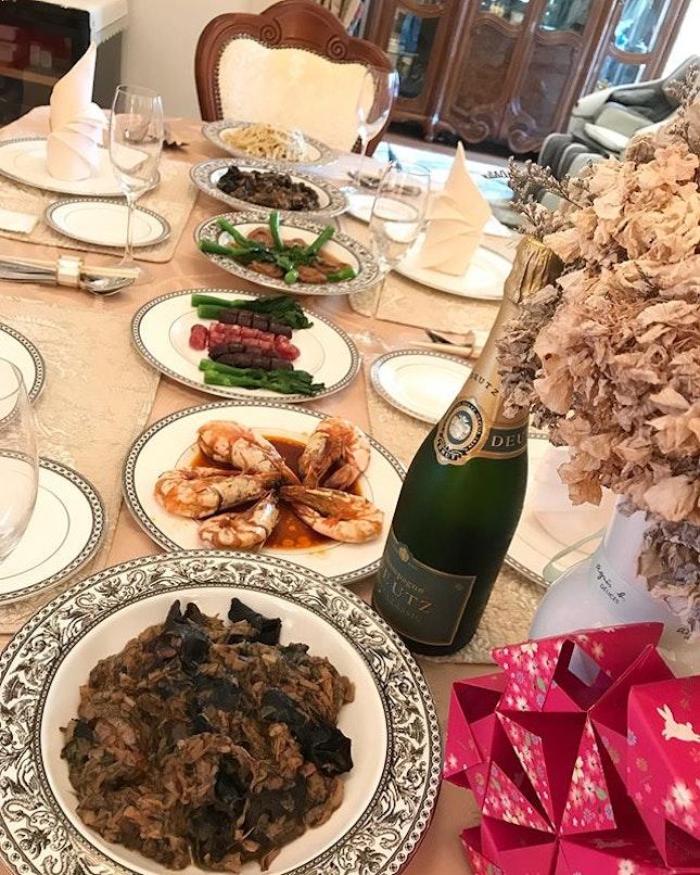 C☄︎h☄︎i☄︎n☄︎e☄︎s☄︎e☄︎N☄︎e☄︎w☄︎Y☄︎e☄︎a☄︎r☄︎ 新年快樂 🍾️恭喜發財💰萬事如意🍊心想事成🙏🏻 #homecooking 大年初一 dad made Grandma Cho's 齋菜 🤗 #corainsingapore .