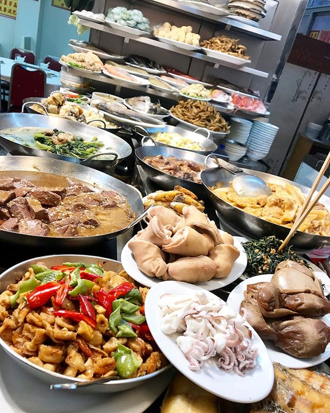 The variety of authentic #teochew dishes here is insane.