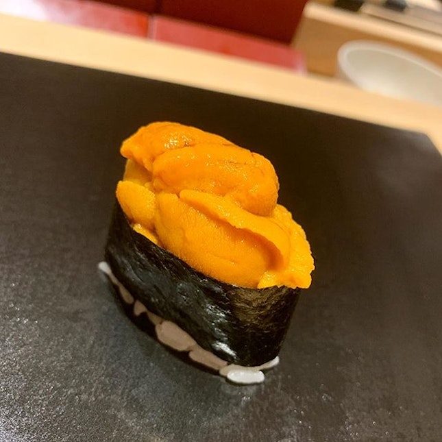 The one and Uni 🤩 (Bafun sea urchin ) :: to be cont'd :: many thanks to Chef Yoshio Sakuta for this amazing experience  @Shoukouwa #michelin 🌟🌟 :: swipe for more 📲.