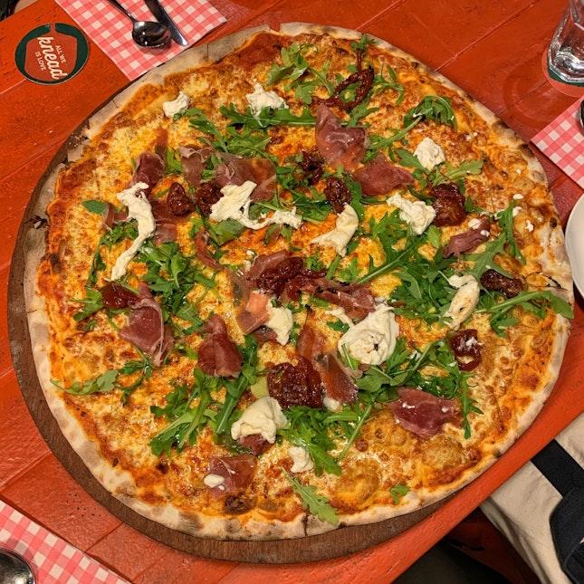 Burrata & Prosciutto (XXL $62/L $28/M $22)