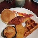 English breakfast round one!