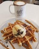 Pandan ice cream whoaffle with gula melaka sauce ($9.50) + Nutella latte ($7.50)!
