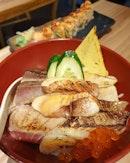 Chirashi don & Salmon aburi 😍😋👍🏼 .