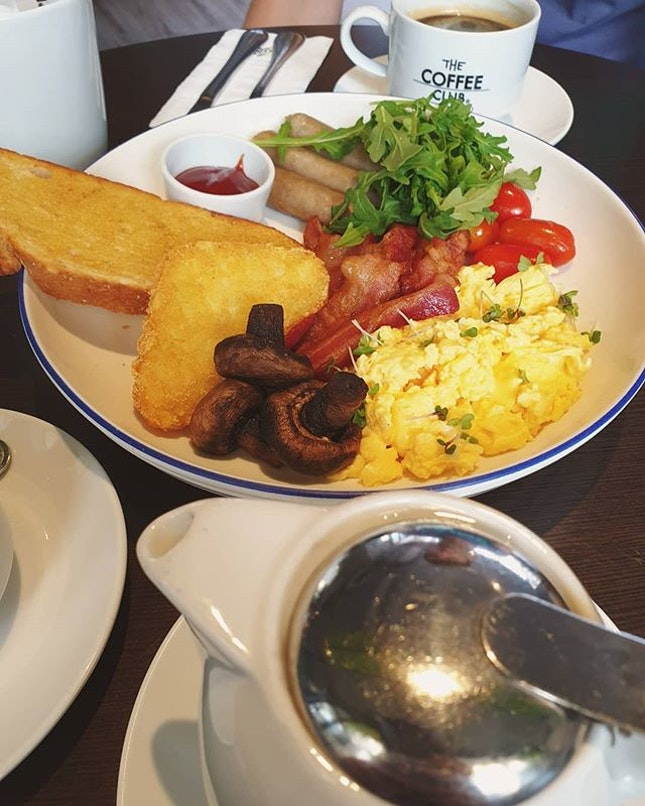 Big breakfast, long black coffee, chamomile tea (THB$635) 😍😋👍🏼 .