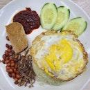Vegetarian nasi lemak ($4)!