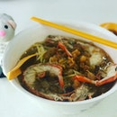 Popular and delightful big prawn mee served here.