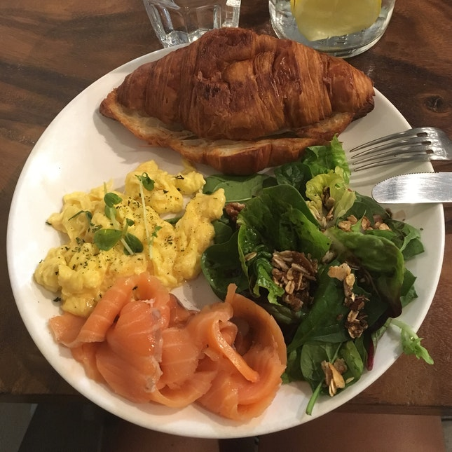 Littlest Scrambled Eggs In A Brunch Cafe Ever