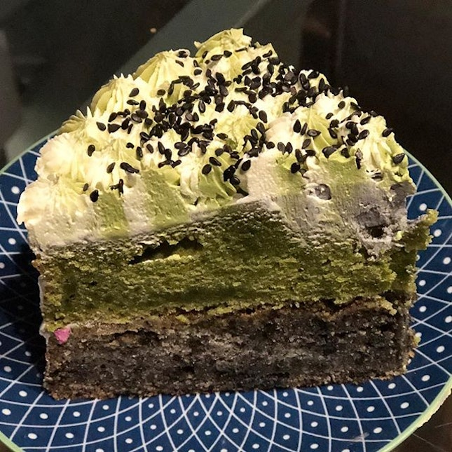 [Matcha Black Sesame]  This cake is a must try if you are a matcha/black sesame fan!